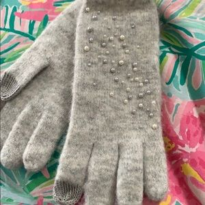 Anthropologie sleeping on snow gloves w pearls
